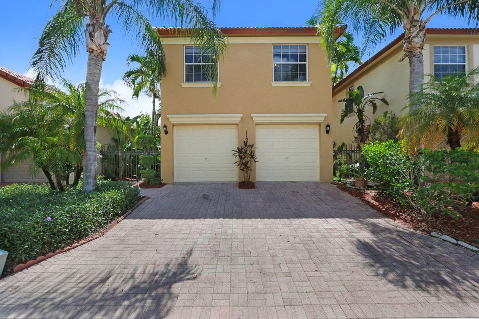 1121 Via Jardin , Palm Beach Gardens FL 33418 is listed for sale as MLS Listing RX-10354968 19 photos