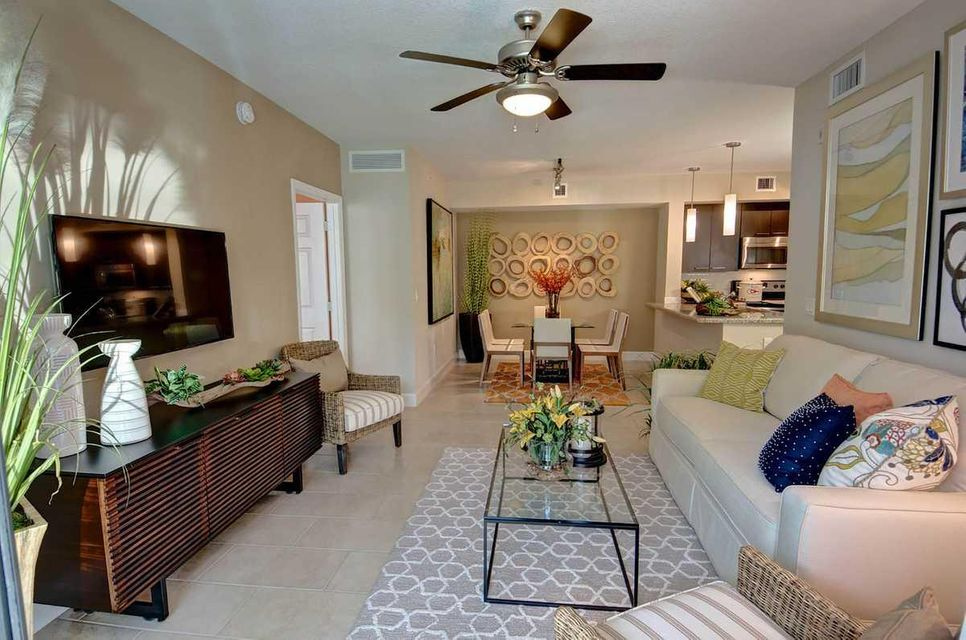Additional photo for property listing at 1111 Red Jasper Lane 1111 Red Jasper Lane Delray Beach, Florida 33446 Estados Unidos