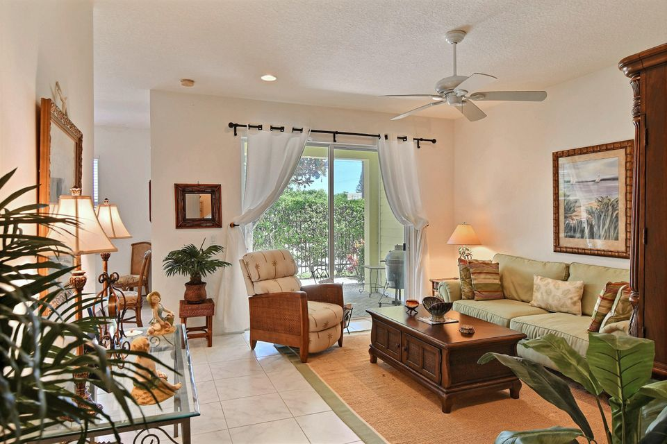 Additional photo for property listing at 502 Mariner Bay Boulevard 502 Mariner Bay Boulevard Fort Pierce, Florida 34949 États-Unis
