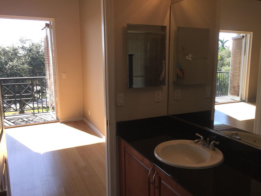 Additional photo for property listing at 301 W Atlantic Avenue  Delray Beach, Florida 33444 États-Unis