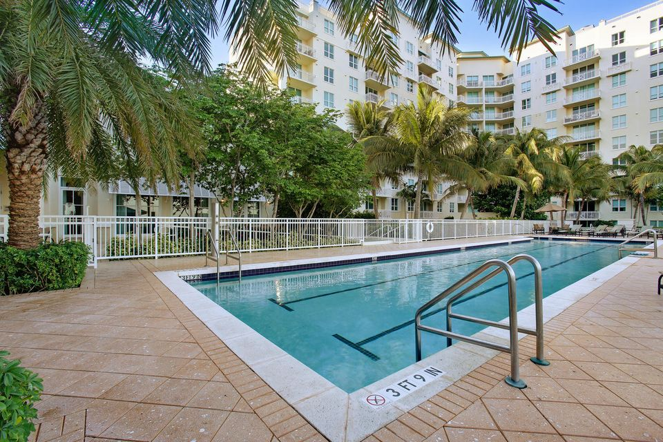 Additional photo for property listing at 350 N Federal Highway 350 N Federal Highway Boynton Beach, Florida 33435 United States