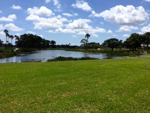 Additional photo for property listing at 123 Legendary Circle 123 Legendary Circle Palm Beach Gardens, Florida 33418 États-Unis
