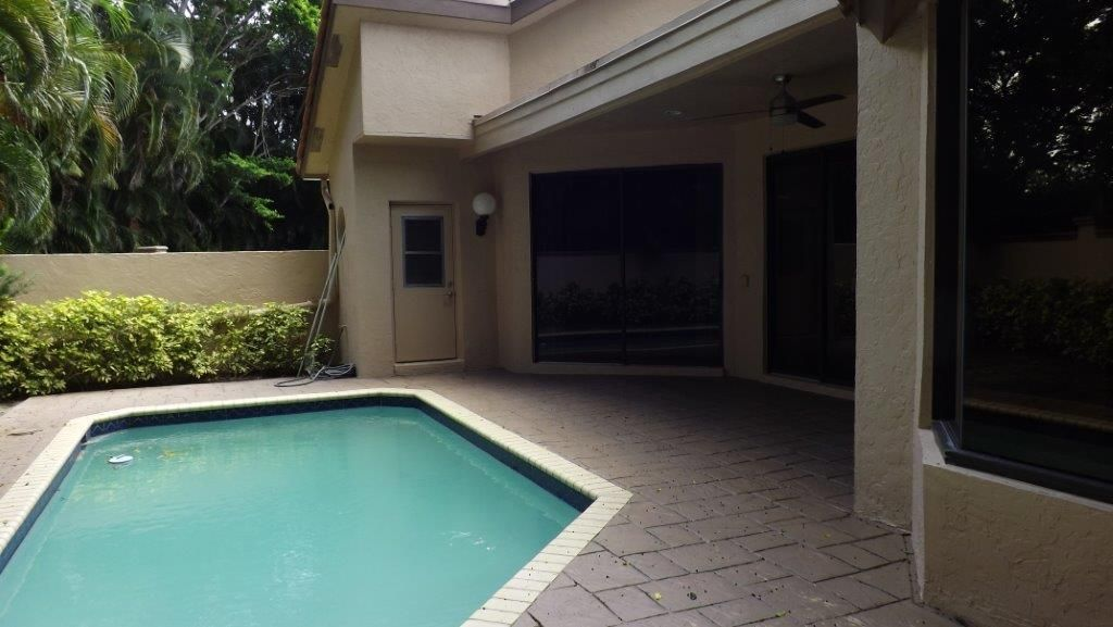 Additional photo for property listing at 5813 NW 21st Way  Boca Raton, Florida 33496 Estados Unidos