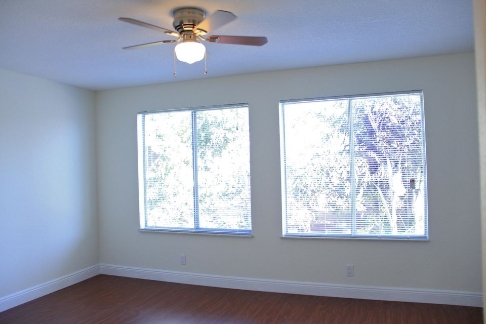 Additional photo for property listing at 5328 Bosque Lane  West Palm Beach, Florida 33415 Vereinigte Staaten