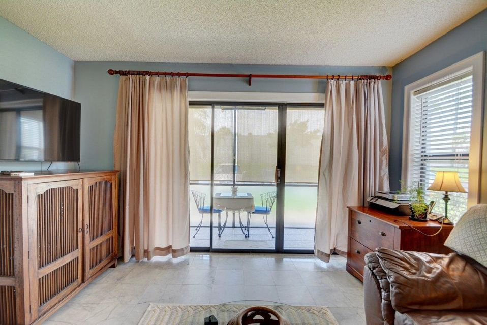 Additional photo for property listing at 1005 Green Pine Boulevard 1005 Green Pine Boulevard West Palm Beach, Florida 33409 United States
