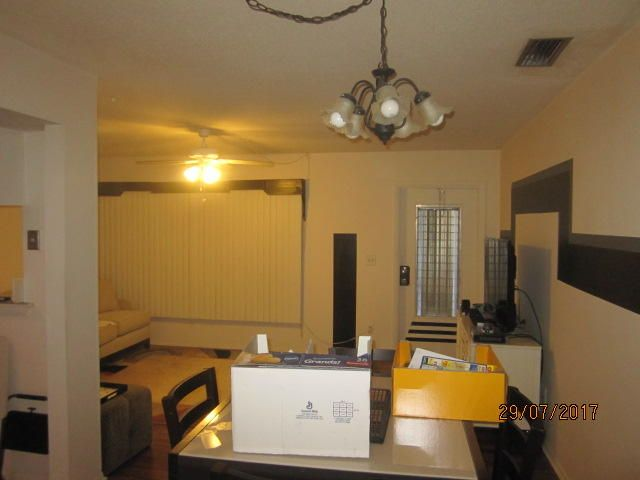 Additional photo for property listing at 2929 SE Ocean Boulevard  Stuart, Florida 34996 United States