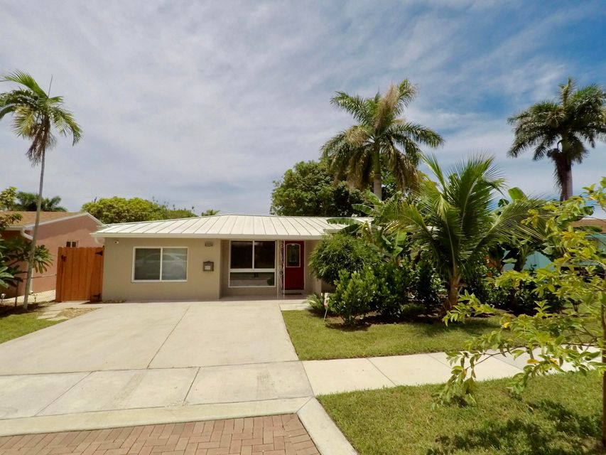 Additional photo for property listing at 122 NE 1st Court  Dania Beach, Florida 33004 Estados Unidos