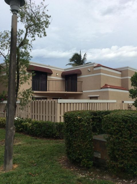 Great Location! This recently updated Twnhs with private patio is located just minutes from downtown Delray/Atlantic Ave.and the beach! Two Master bedrms upstairs and 1 bedrm/bathrm downstairs. Inside laundry, new updated kitchen, lots of closets. Great community! Call or text Listing Agent, this unit won't last long!