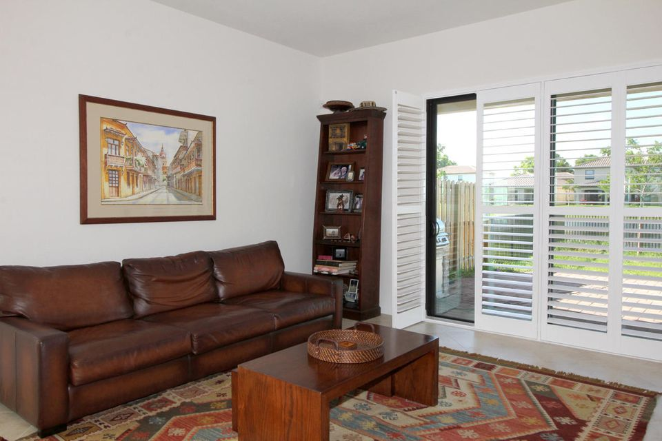 Additional photo for property listing at 8835 Sandy Creek Way  Lake Worth, 佛罗里达州 33467 美国