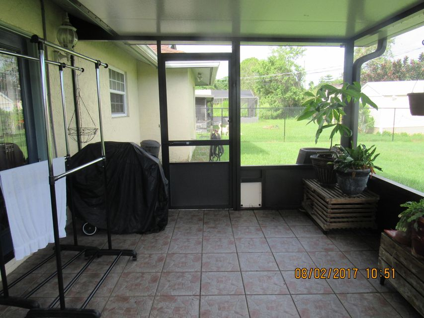 Additional photo for property listing at 531 SE Sunnybrook Terrace  Port St. Lucie, Florida 34983 United States