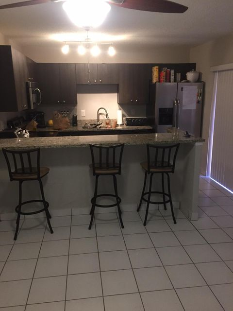 Townhouse for Rent at 932 Springdale Circle Palm Springs, Florida 33461 United States