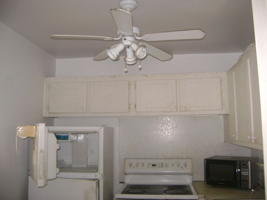 Additional photo for property listing at 222 Windsor  West Palm Beach, Florida 33417 Estados Unidos