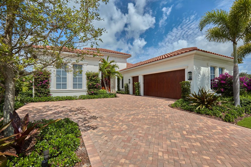 واحد منزل الأسرة للـ Sale في 11535 Green Bayberry Drive Palm Beach Gardens, Florida 33418 United States