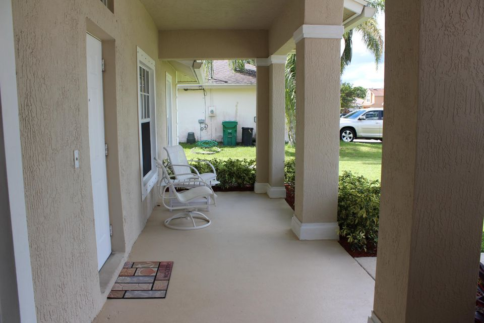 Additional photo for property listing at 1949 SW Flower Lane  Port St. Lucie, Florida 34953 United States