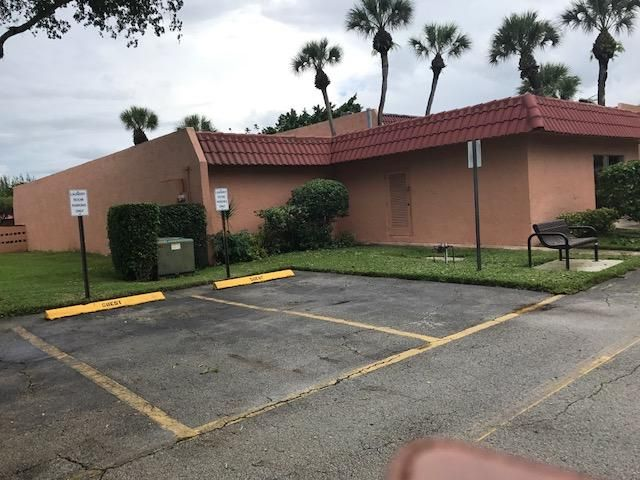 Additional photo for property listing at 148 Lake Frances Drive  West Palm Beach, Florida 33411 Estados Unidos