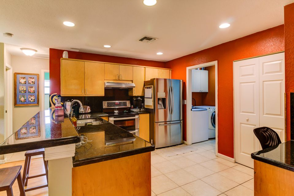Additional photo for property listing at 5306 Greenwood Drive  Delray Beach, Florida 33484 Estados Unidos