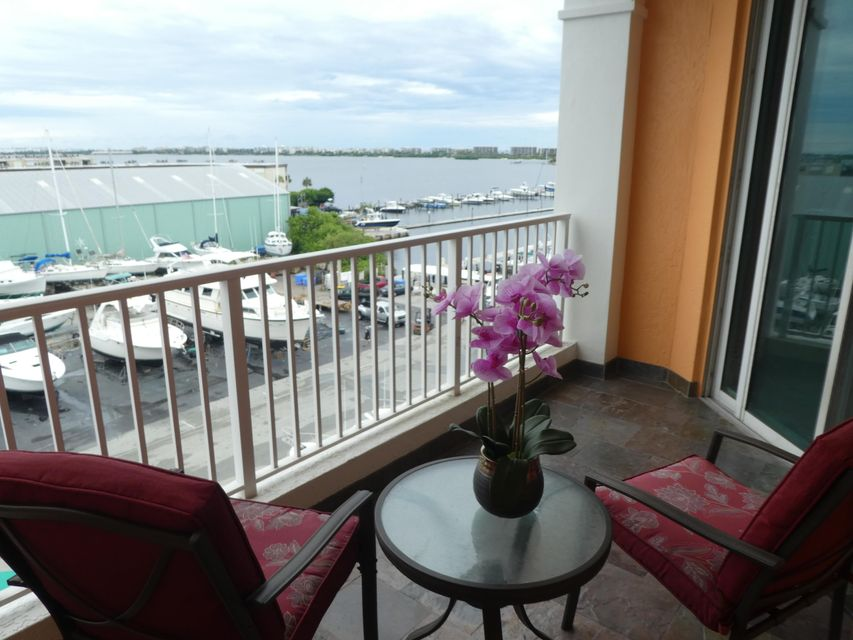 Coopérative / Condo pour l Vente à 806 E Windward Way 806 E Windward Way Lantana, Florida 33462 États-Unis