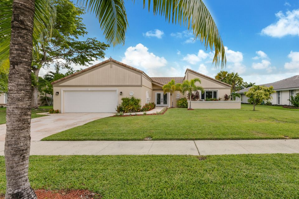 Single Family Home for Sale at 350 Deer Creek Run 350 Deer Creek Run Deerfield Beach, Florida 33442 United States