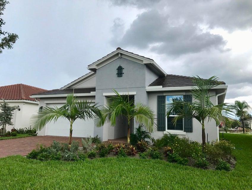 10015 SW Oak Tree Circle, Port Saint Lucie, FL 34987