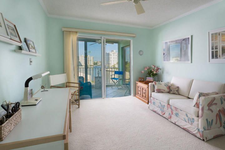 Additional photo for property listing at 555 SE 6th Avenue 555 SE 6th Avenue 德尔雷比奇海滩, 佛罗里达州 33483 美国