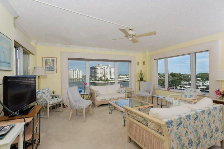 Additional photo for property listing at 555 SE 6th Avenue 555 SE 6th Avenue Delray Beach, Florida 33483 United States