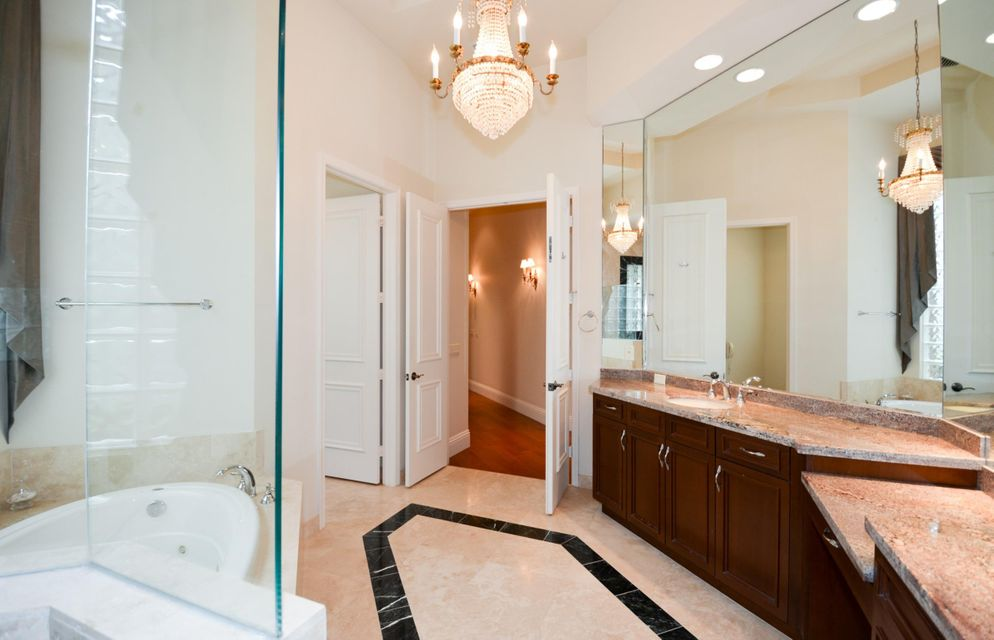 Additional photo for property listing at 17754 Lake Azure Way 17754 Lake Azure Way Boca Raton, Florida 33496 États-Unis
