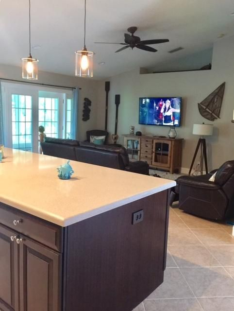 Additional photo for property listing at 120 Sycamore Drive  Royal Palm Beach, Florida 33411 États-Unis