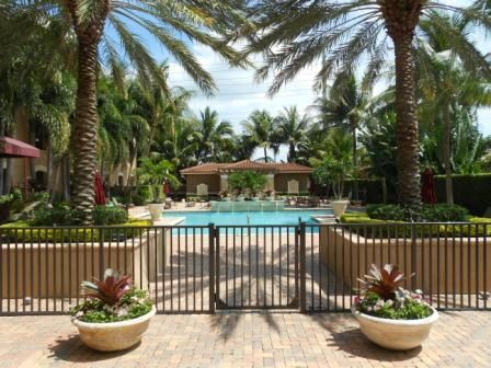 Additional photo for property listing at 616 Clearwater Park Road 616 Clearwater Park Road West Palm Beach, Florida 33401 États-Unis