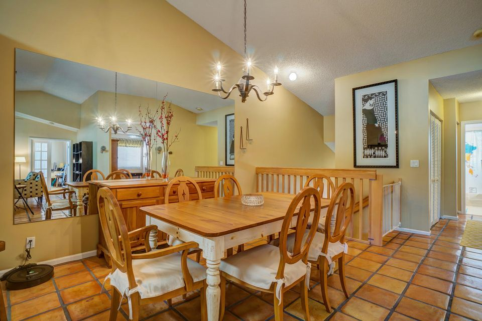 Additional photo for property listing at 7525 NW 61st Terrace 7525 NW 61st Terrace Parkland, Florida 33067 United States