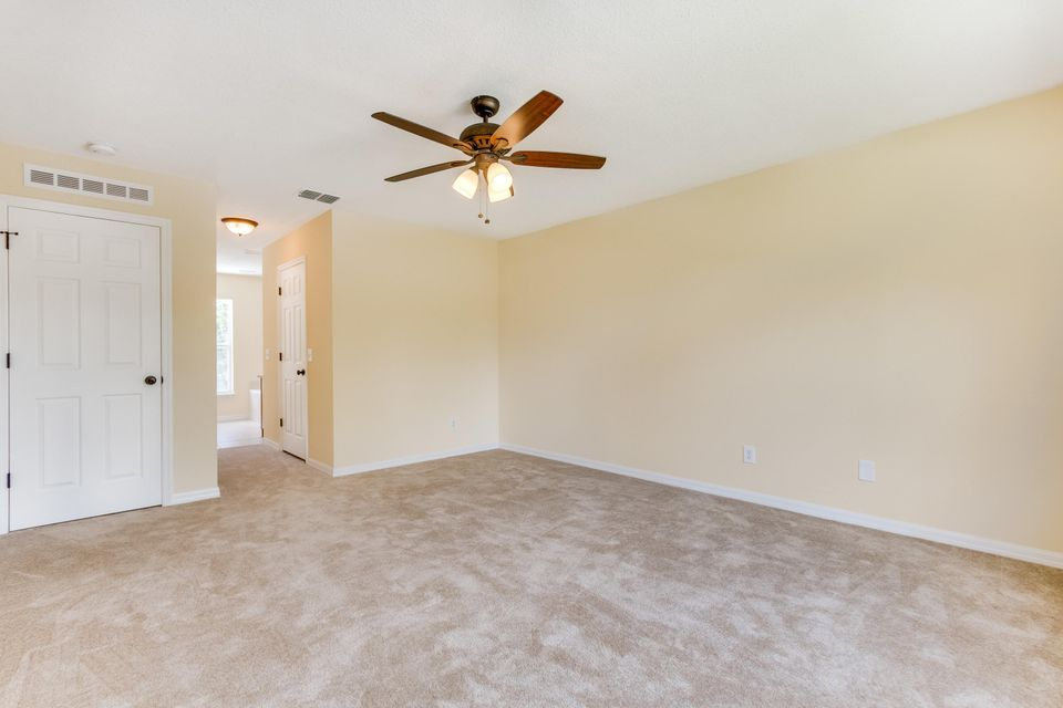 Additional photo for property listing at 2056 SW Grant Avenue 2056 SW Grant Avenue Port St. Lucie, Florida 34953 United States