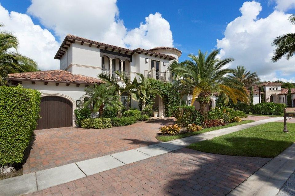 9509 Grand Estates Way, Boca Raton, FL 33496
