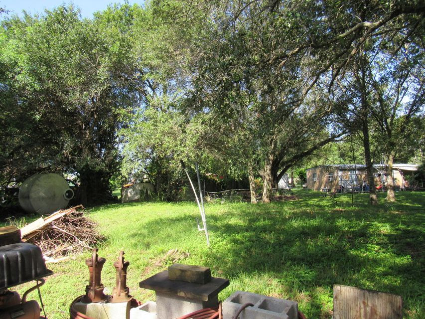 Additional photo for property listing at 2607 Kerr Street 2607 Kerr Street Fort Pierce, Florida 34947 United States