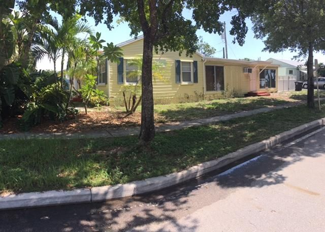 Additional photo for property listing at 6916 Garden Avenue  West Palm Beach, Florida 33405 United States