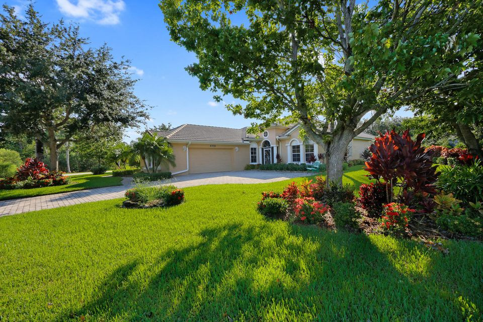 Additional photo for property listing at 4319 NW Royal Oak Drive  Jensen Beach, Florida 34957 Vereinigte Staaten