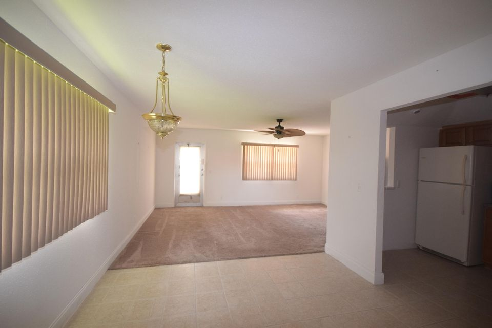 Additional photo for property listing at 99 Valencia E 99 Valencia E Delray Beach, Florida 33446 États-Unis