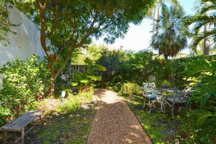 Additional photo for property listing at 1617 N Flagler Drive 1617 N Flagler Drive West Palm Beach, Florida 33407 United States