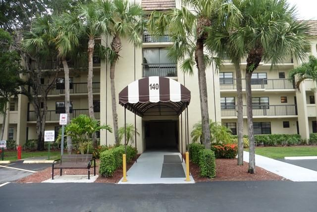 Co-op / Condo for Sale at 140 Lake Nancy Lane West Palm Beach, Florida 33411 United States