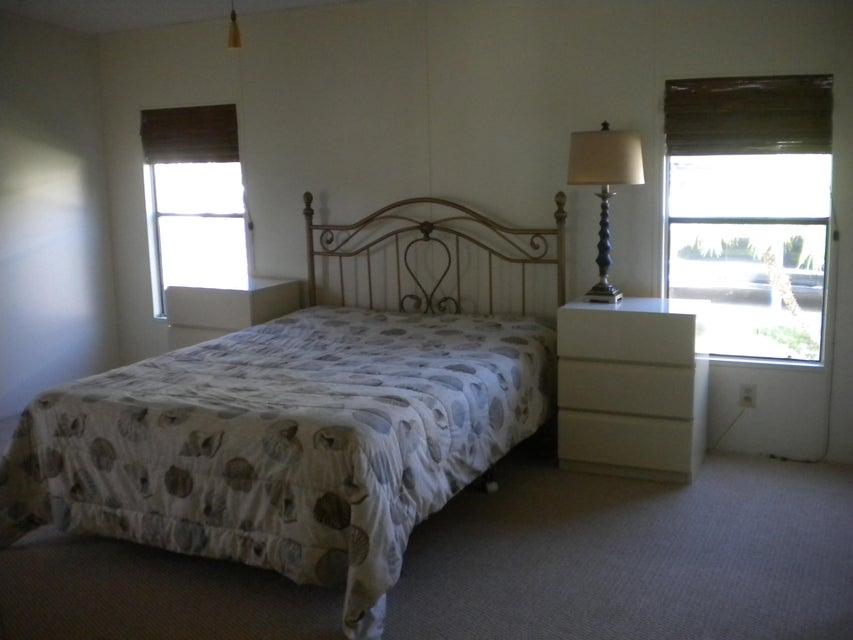 Additional photo for property listing at 6907 SE Sourwood Drive  Stuart, Florida 34997 Estados Unidos