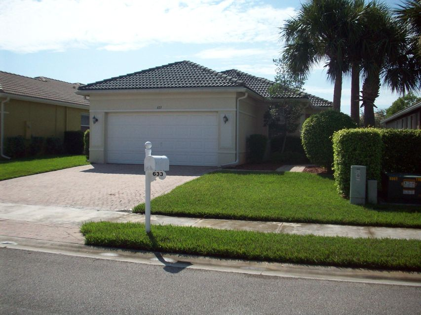 Additional photo for property listing at 633 NW Stanford Lane  Port St. Lucie, Florida 34983 Estados Unidos