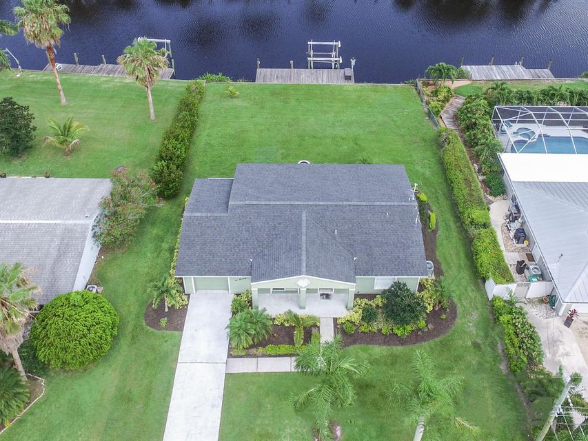 Additional photo for property listing at 679 SE Calmoso Drive  Port St. Lucie, Florida 34953 United States