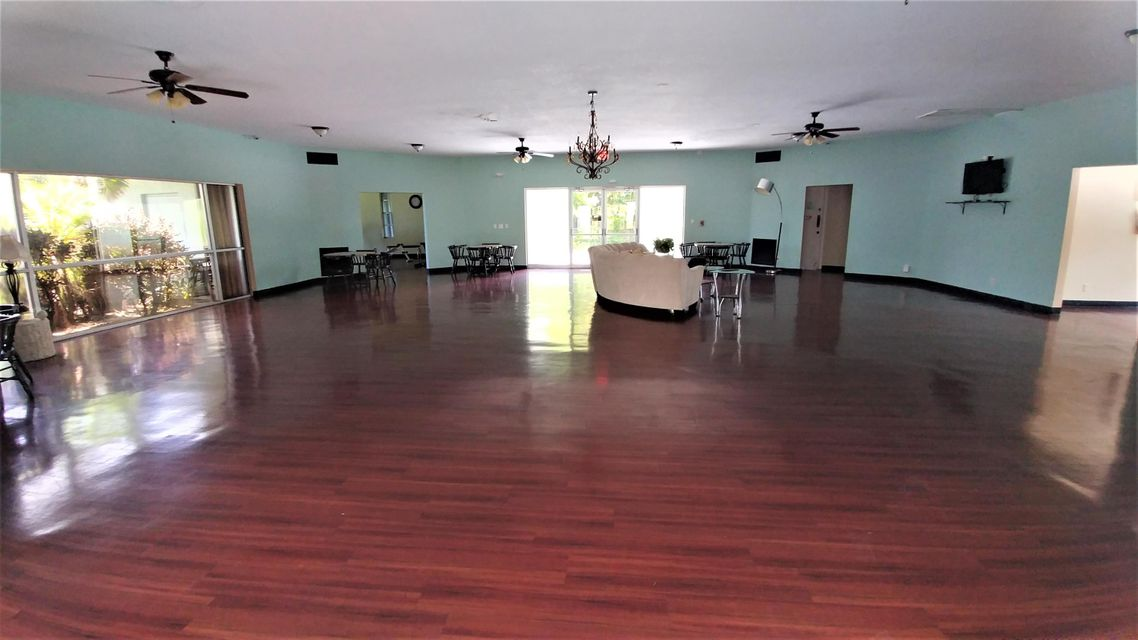 Additional photo for property listing at 2100 Springdale Boulevard  Palm Springs, Florida 33461 Vereinigte Staaten