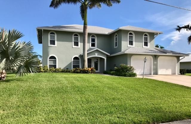 Single Family Home for Sale at 8512 SE Driftwood Street Hobe Sound, Florida 33455 United States