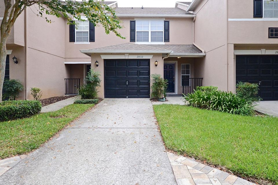 Townhouse for Sale at 2832 Cliffe Court Oviedo, Florida 32765 United States