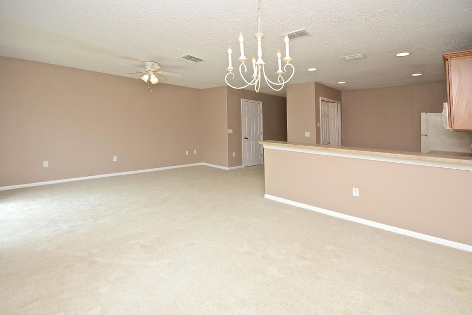 Additional photo for property listing at 2832 Cliffe Court  Oviedo, Florida 32765 United States