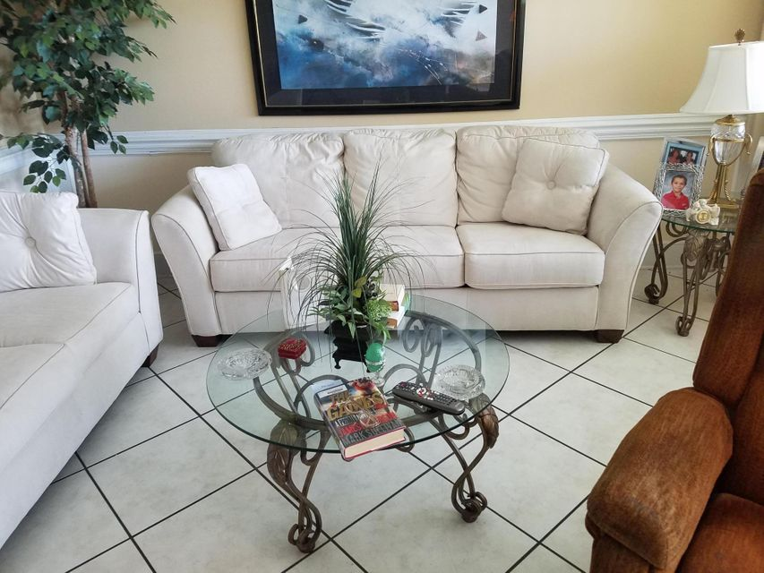 Co-op / Condo for Sale at 198 Andover H West Palm Beach, Florida 33417 United States