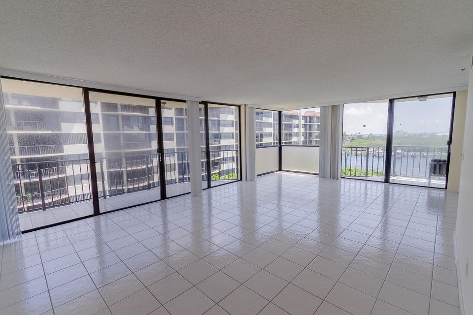 Additional photo for property listing at 859 Jeffrey Street 859 Jeffrey Street Boca Raton, Florida 33487 United States