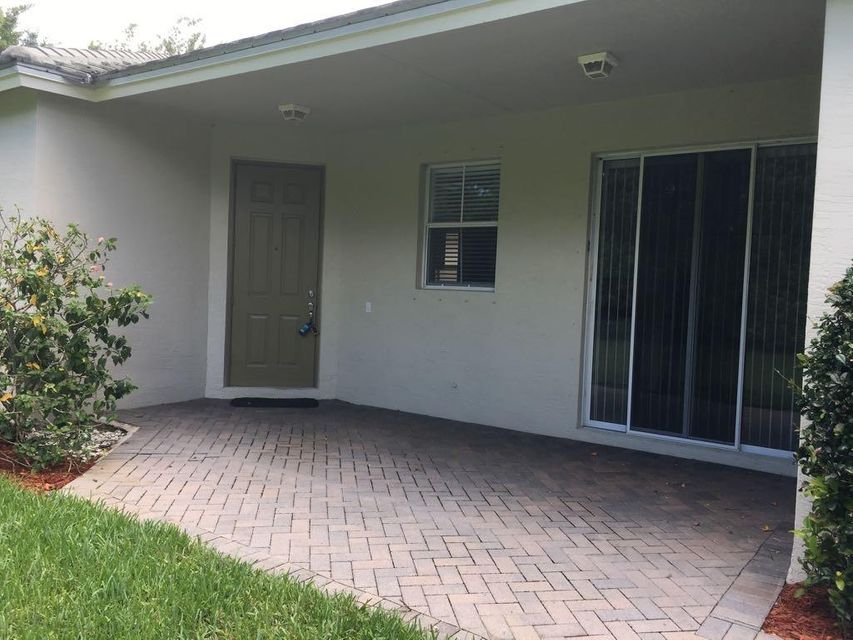 Additional photo for property listing at 315 SW Perdido Key Street 315 SW Perdido Key Street Port St. Lucie, Florida 34986 Vereinigte Staaten