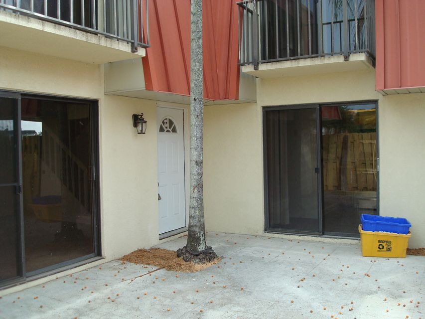 Additional photo for property listing at 3249 Gardens E Drive  Palm Beach Gardens, Florida 33410 United States