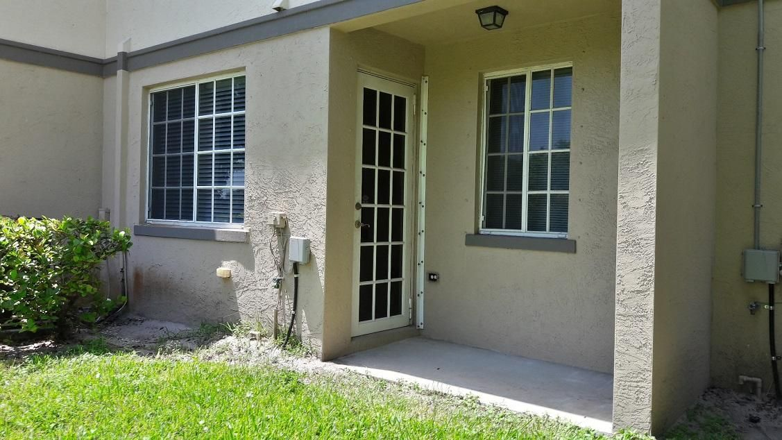 Additional photo for property listing at 2032 Marsh Harbor Drive  Riviera Beach, Florida 33404 United States