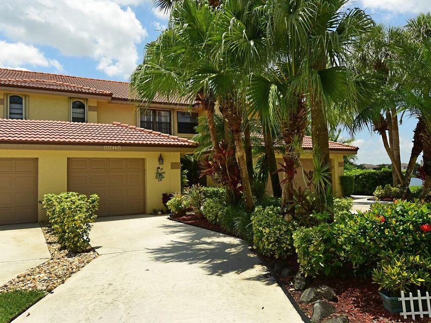 Home for sale in Country Club Cove Wellington Florida